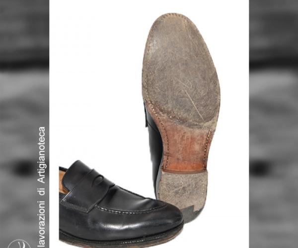 Risuolatura Crockett & Jones con cucitura goodyear a vista, suola in cuoio e tacco elegance