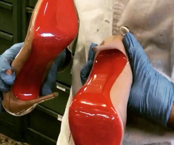 Louboutin con modello suole MIRROR rosse