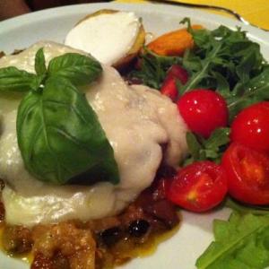risotto alla milanese con ganassino di vitello € 15  roast-beef all'inglese con farro al pesto di broccoli e mandorle rucola e grana €15  arrosto di tacchino cotto in sous vide con crema di zucca, spinaci e patate €15