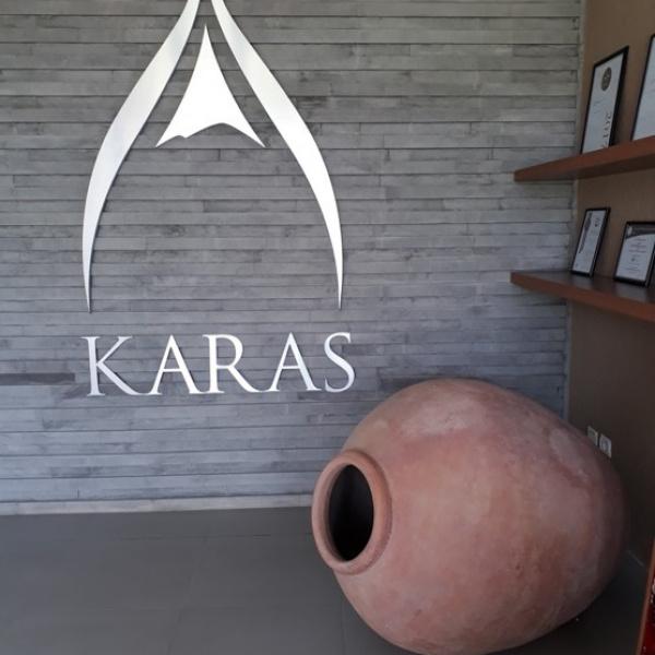 Visita cantina Karas