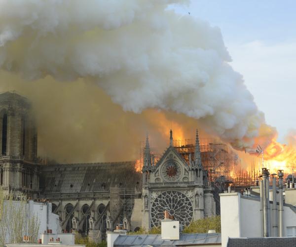 Cosa sappiamo finora dell'incendio alla cattedrale di Notre Dame