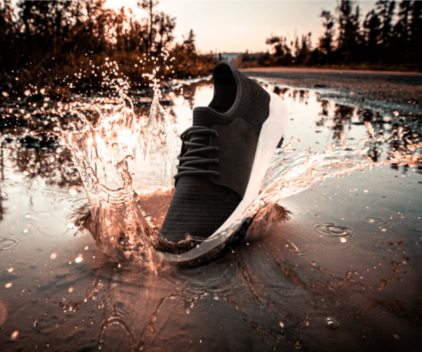 La scarpa che blocca la puzza di piedi