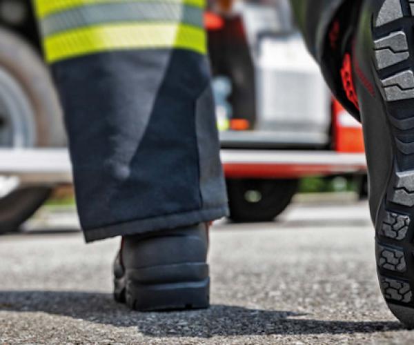 I nuovi stivali per pompieri con la suola Michelin