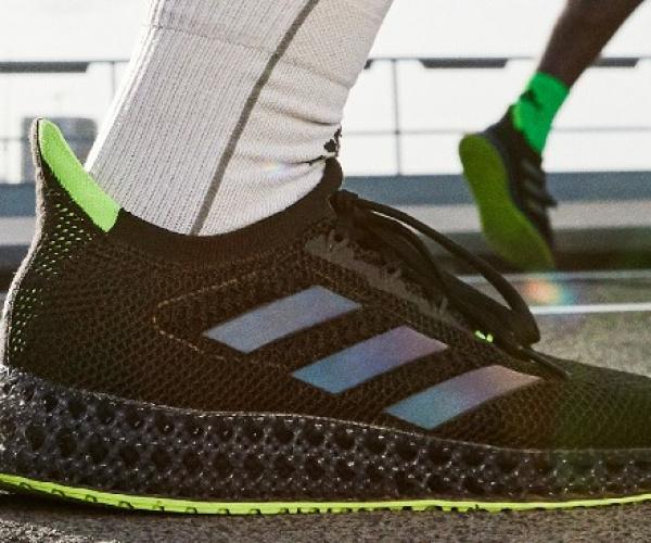 adidas 4DFWD, la rivoluzione dell'intersuola spinge in avanti i runner