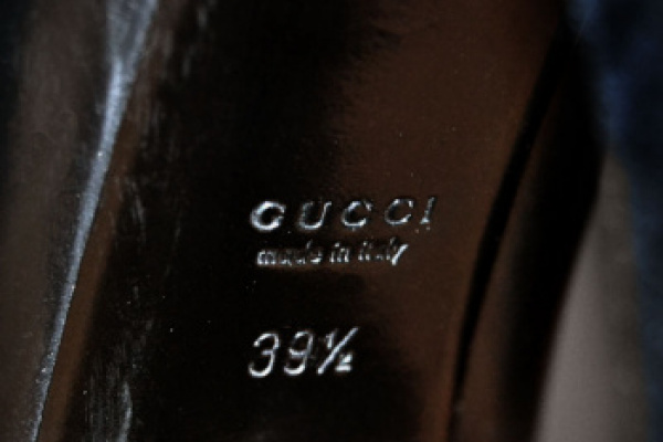 Rifacimento copertura tacchi uguali all'originale in camoscio