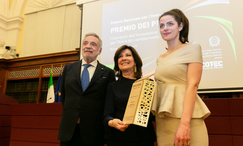 L'armadio virtuale di Dress You Can vince il Premio dei Premi per l'innovazione