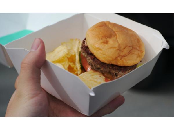 Ecco l'hamburger impossibile: è vegano, ma sanguina come uno vero