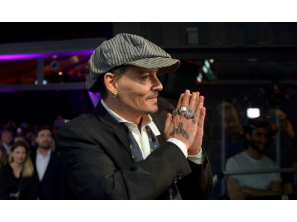 Johnny Depp produrrà dei film con una piattaforma di criptovalute