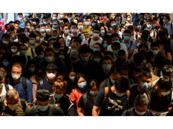 Le mascherine potrebbero davvero funzionare come un vaccino? L'ipotesi di alcuni esperti