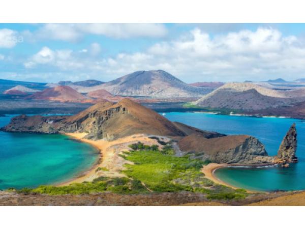 Le Galápagos sono una meraviglia anche viste dallo spazio