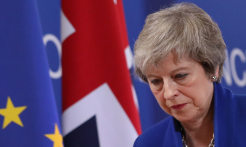 Brexit, per l'accordo di Theresa May una sconfitta senza appello