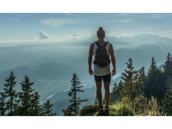 5 gadget non solo tech per le passeggiate in montagna