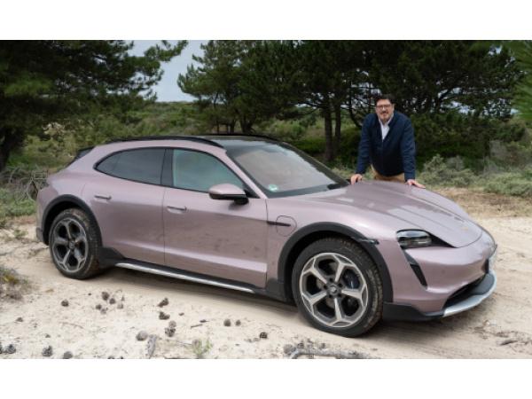 Porsche Taycan Cross Turismo, la prova tra le dune