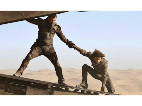 Il nuovo Dune non vuole solo intrattenere, vuole abbagliare